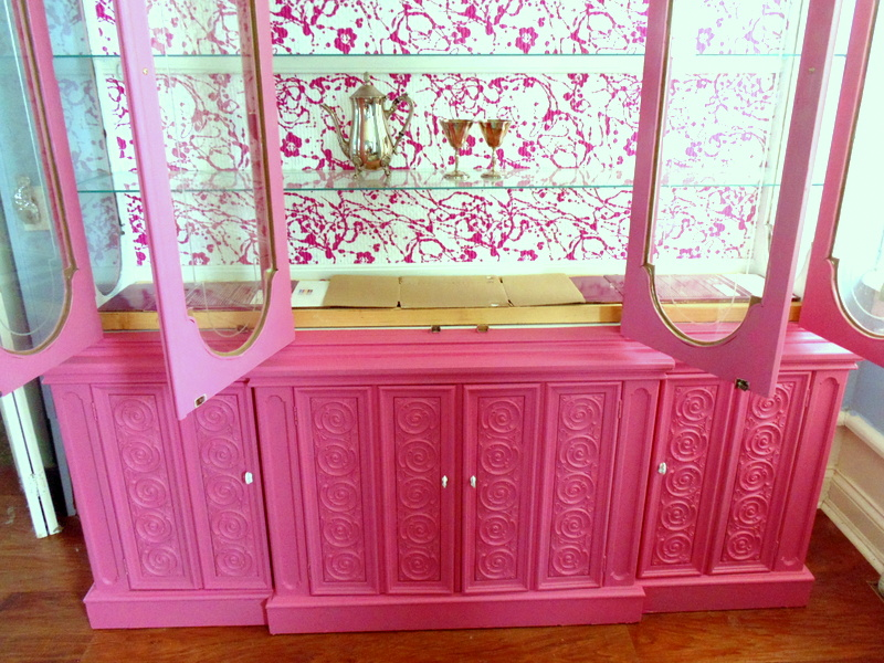 China cabinet silver display / thriftyrebelvintage.com