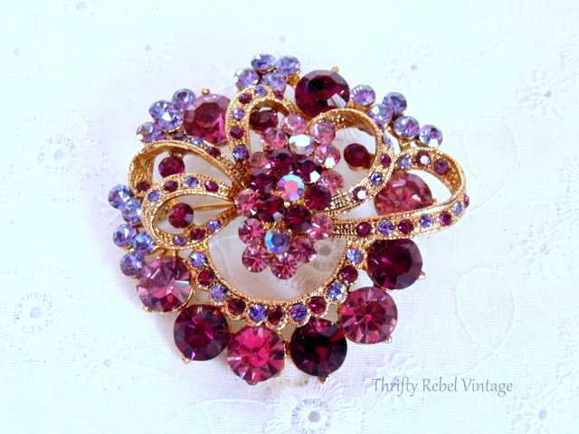 pink and purple rhinestone brooch / thriftyrebelvintage.com