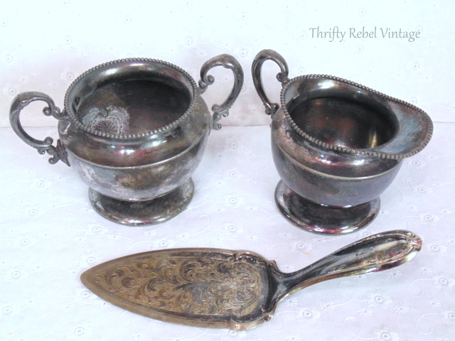 vintage silver cream and sugar / thriftyrebelvintage.com
