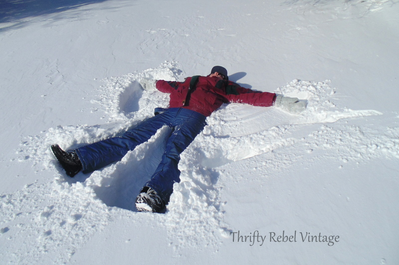 making a snow angel / thriftyrebelvintage.com