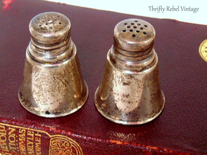 Vintage International Sterling mini Salt & Pepper Set