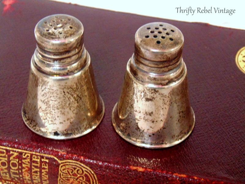 Vintage International Sterling mini Salt & Pepper Set