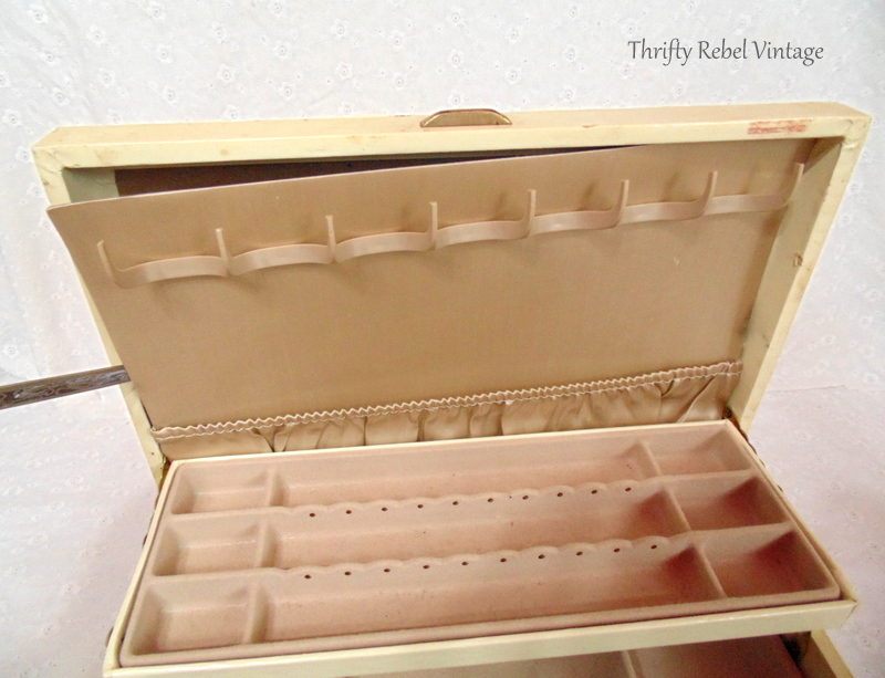 decoupaged vintage jewelry box makeover