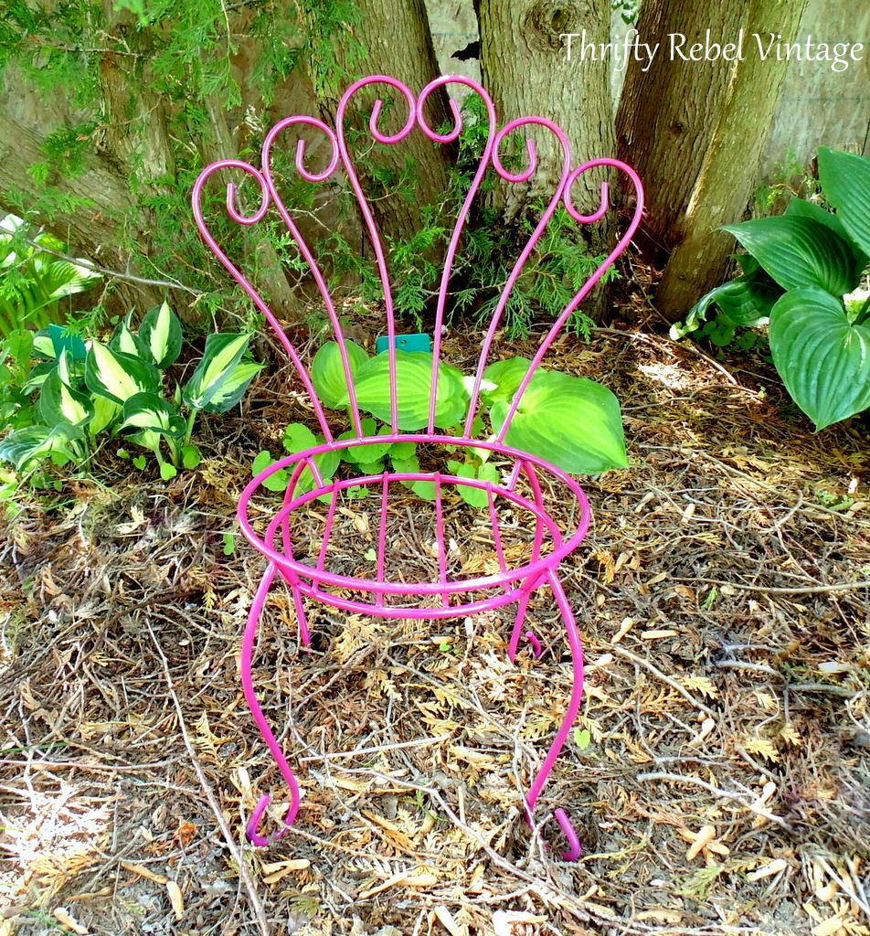 repurposed chair birdfeeder