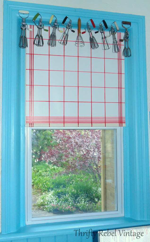 how to display vintage egg beaters as repurposed window valance