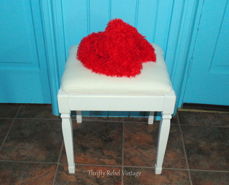 quick and easy bench seat makeover with scarf