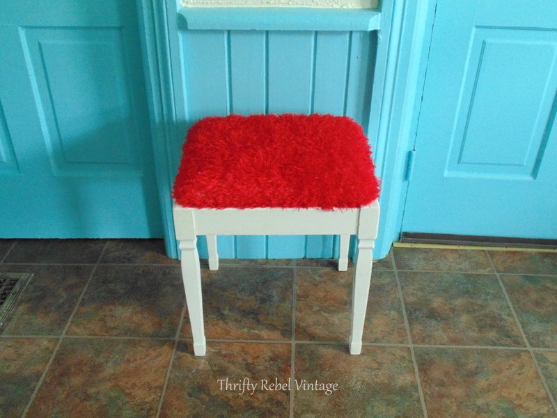 repurposed scarf bench seat makeover