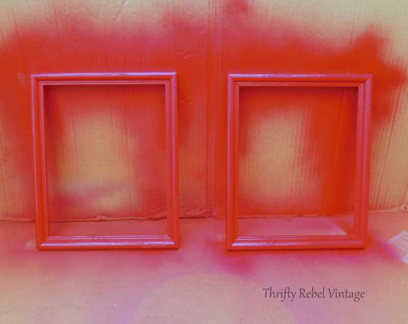how to spray paint picture frames after removing pictures