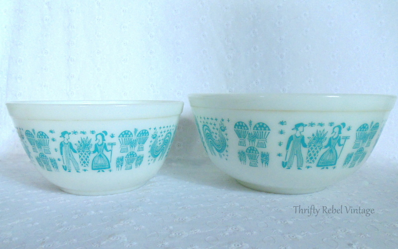 Vintage blue and white butterprint pyrex bowls