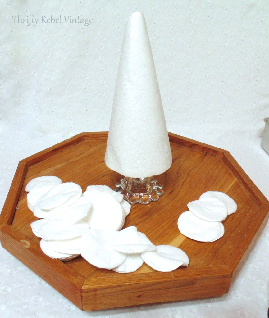 white make up cotton rounds for diy Christmas tree
