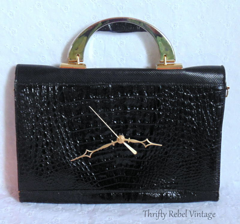 how to make a repurposed black vinyl faux snakeskin purse clock