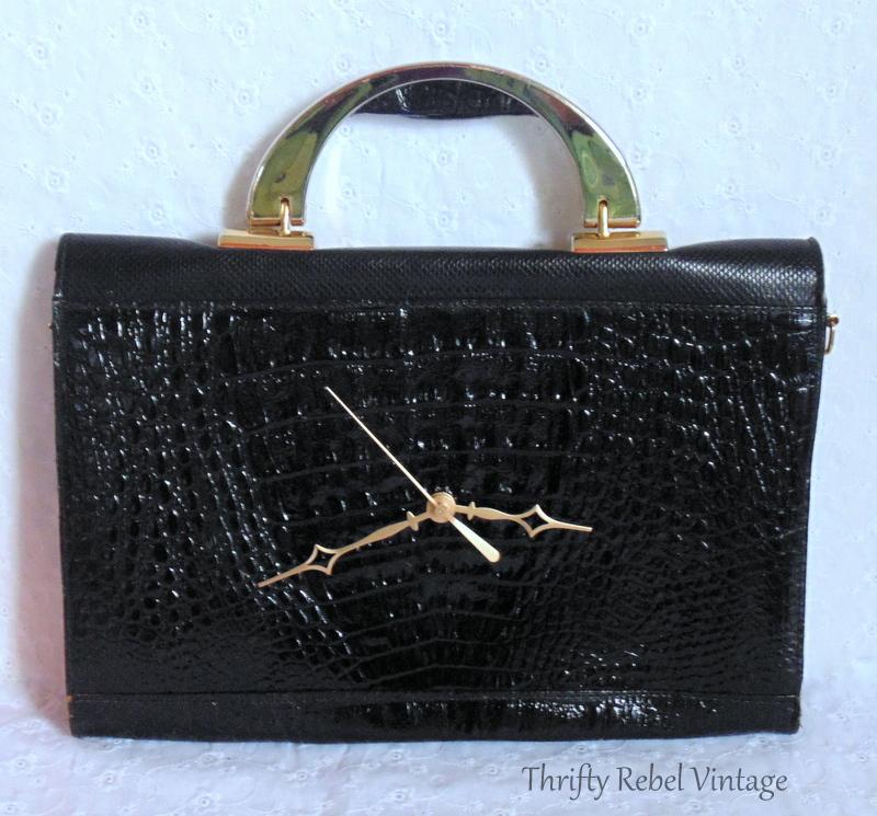 how to make a repurposed black vinyl faux snakeskin purse clock