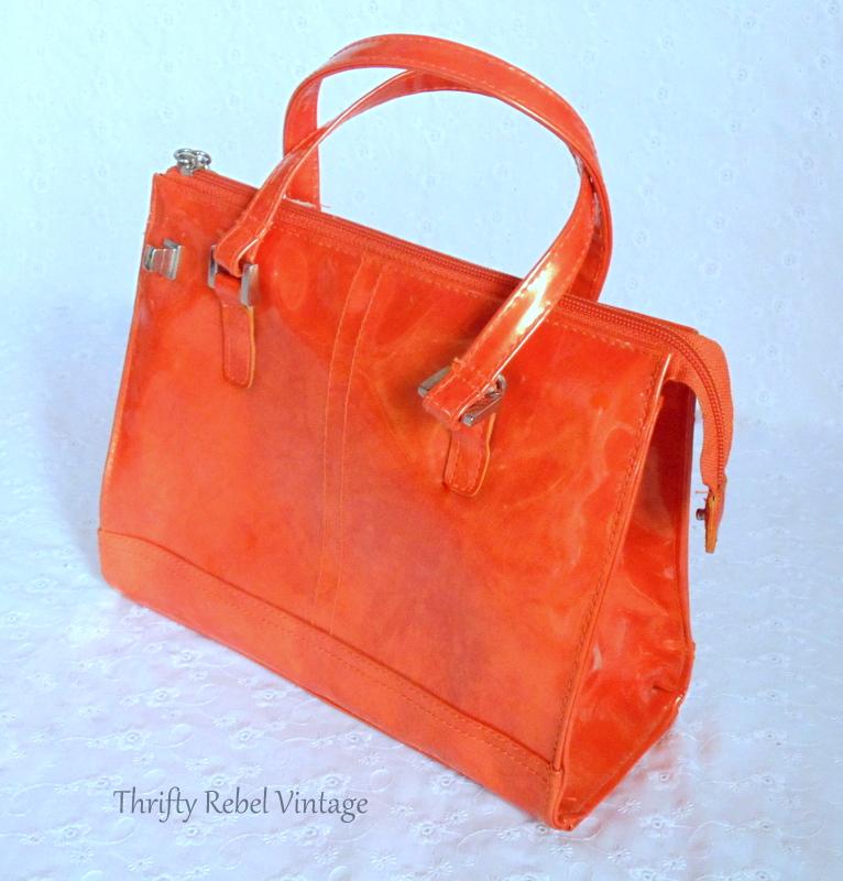 how to make a repurposed orange vinyl purse clock