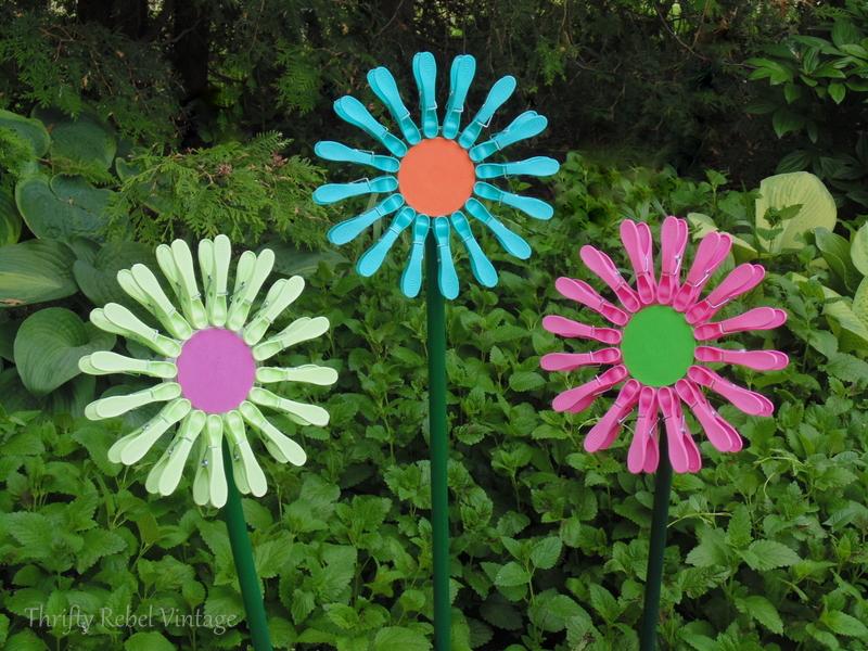 diy repurposed dollar store clothes pin flowers