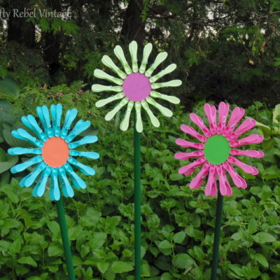 repurposed clothes pin flowers