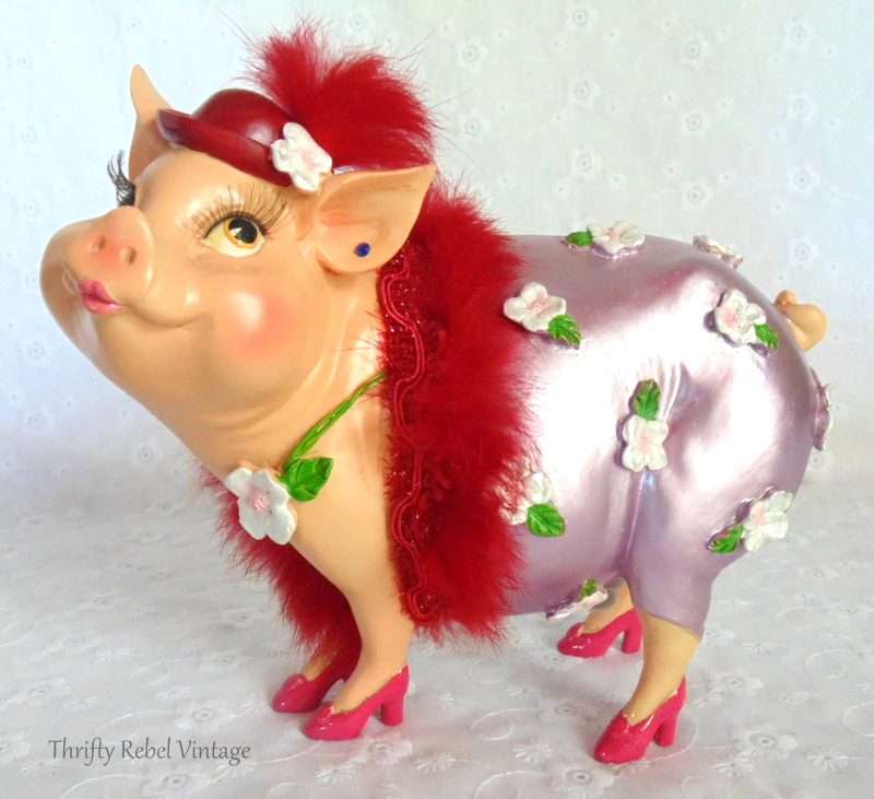 Fabulous Friday Find girly pig piggy bank