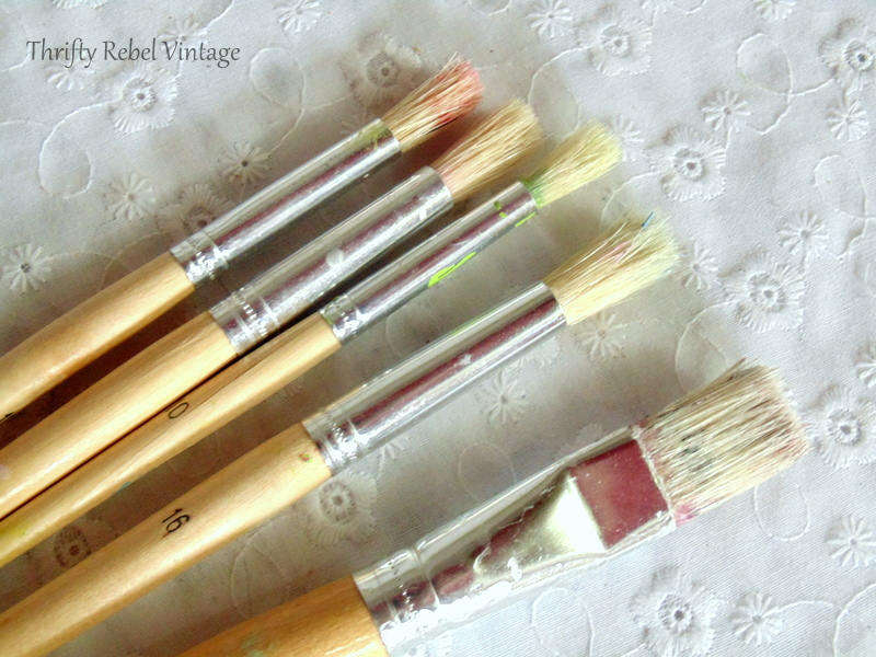 paint brushes used for cleaning vintage bone china roses lamp