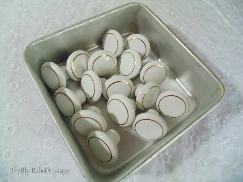 vintage porcelain knobs before decoupaging knobs
