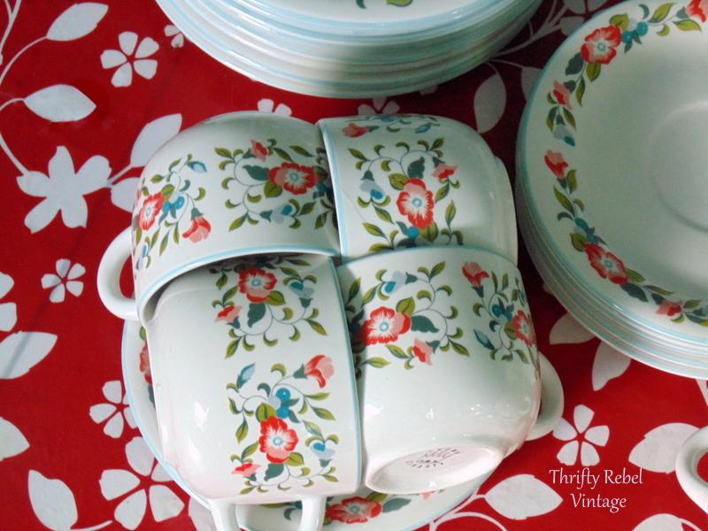 Crown Dynasty Dinnerware cups