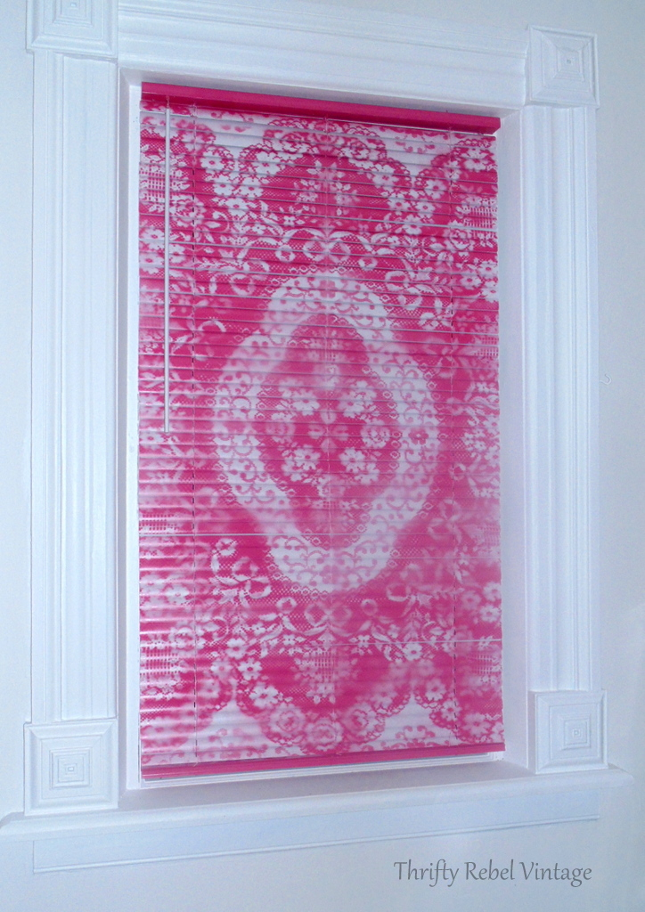 Mini blind makeover with spray paint and lace in pink color
