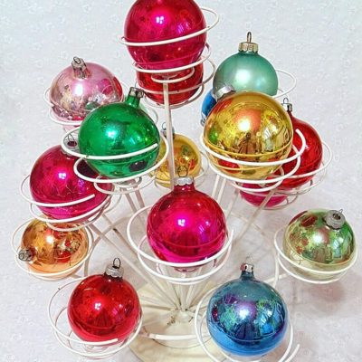 Fabulous Finds Friday: Displaying Vintage Ornaments