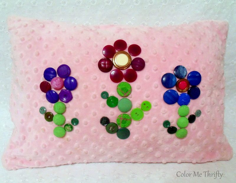 Quick and easy button flowers pillow makeover