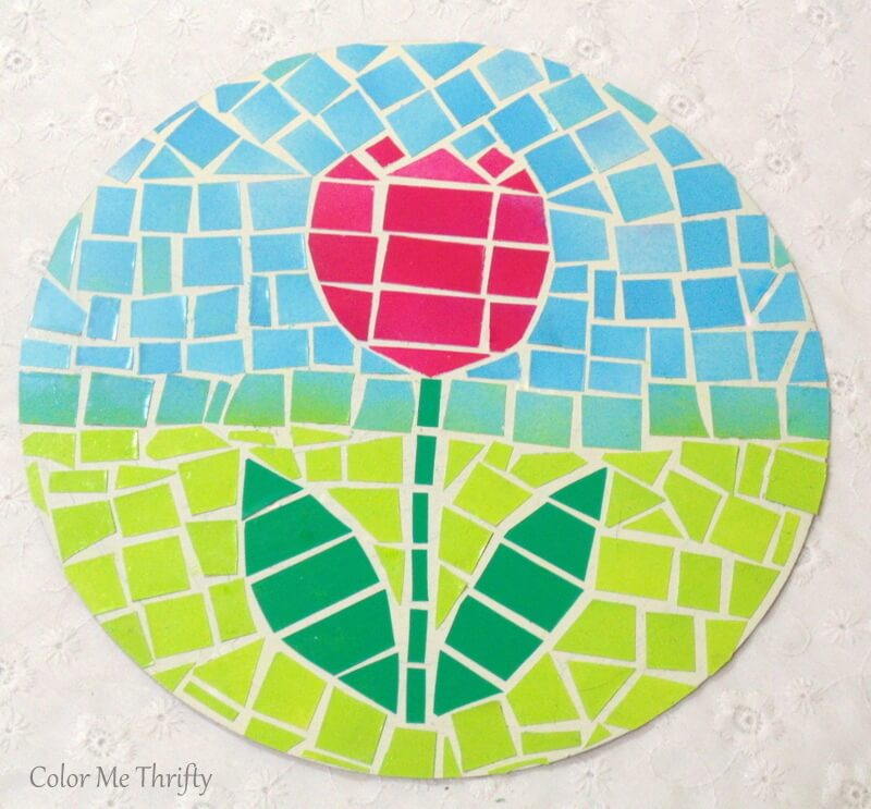quick and easy faux mosaic tulip art on cream spray painted quiche pan