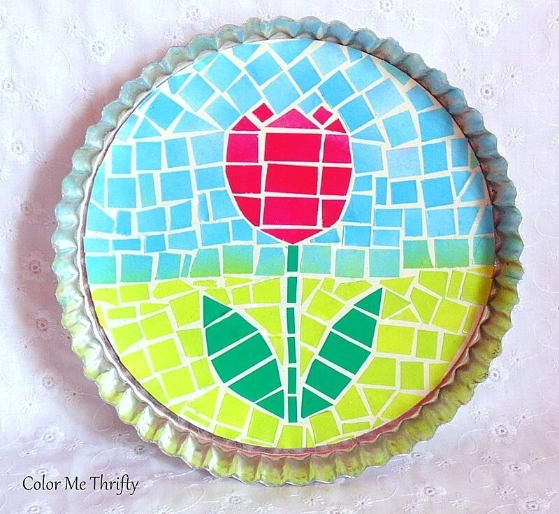 quick and easy faux mosaic tulip art project on spray painted quiche pan