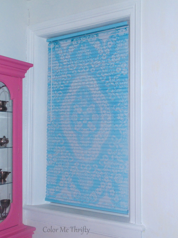 Mini blind makeover with spray paint and lace for living room windows