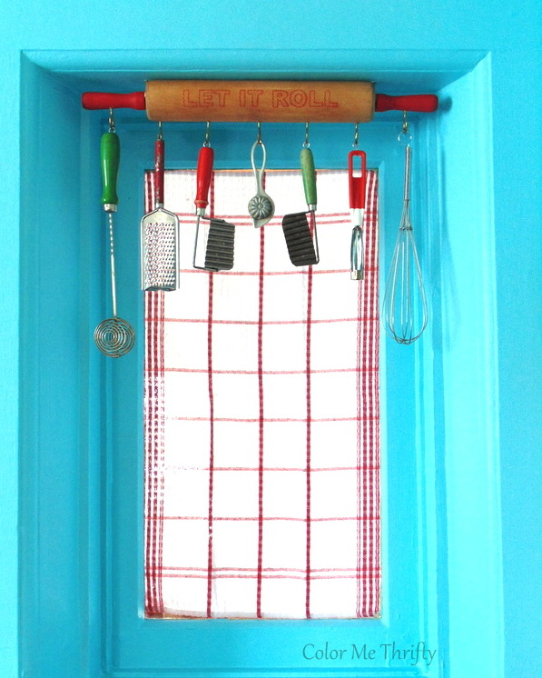 Repurposed rolling pin kitchen window valance