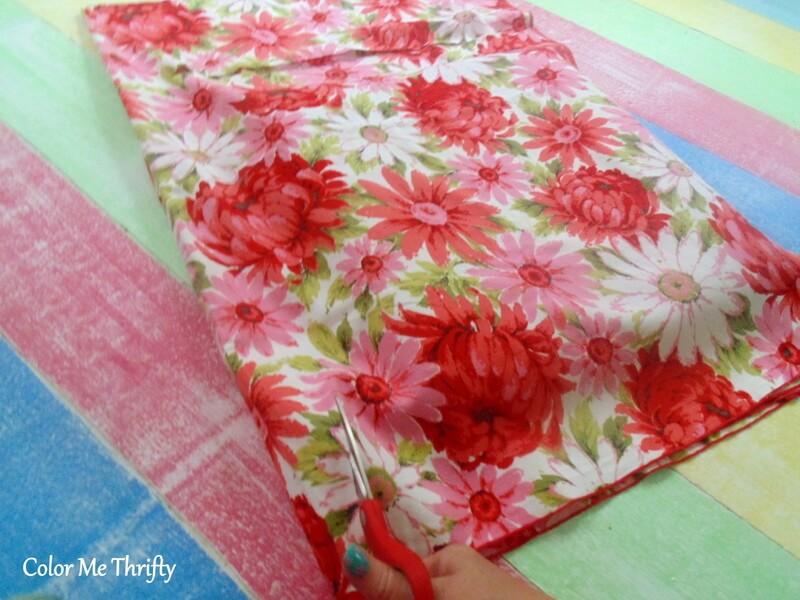 How to recover a seat cushion with floral fabric tablecloth