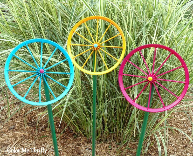 quick and easy repurposed wheel flowers