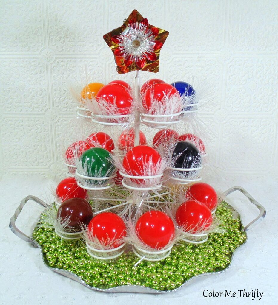 DIY Christmas tree centerpiece from snooker balls and cupcake holder