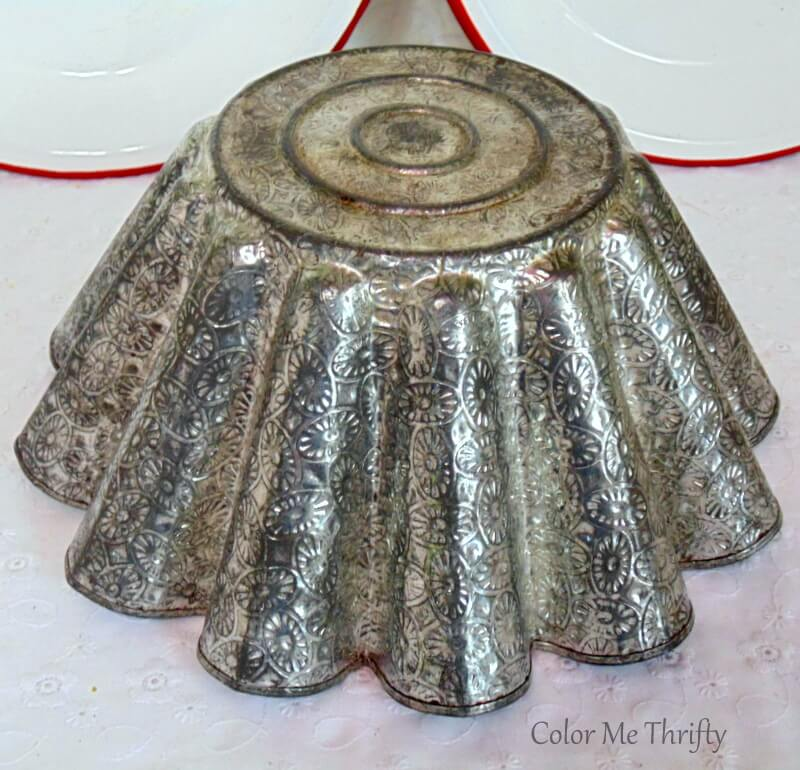 exterior of vintage French bundt pan with etched design