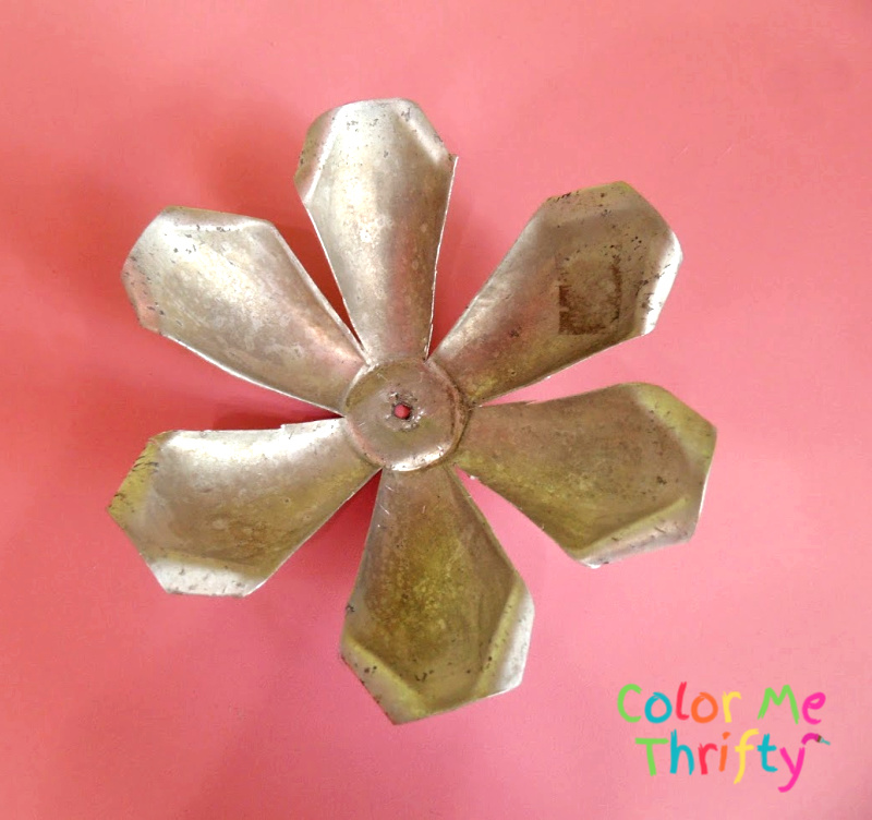 aluminum jello mold flower with cut petals