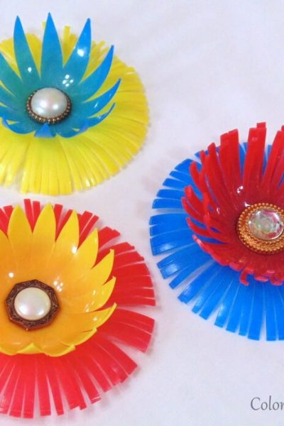 diy repurposed flowers created from plastic bouncy castle balls