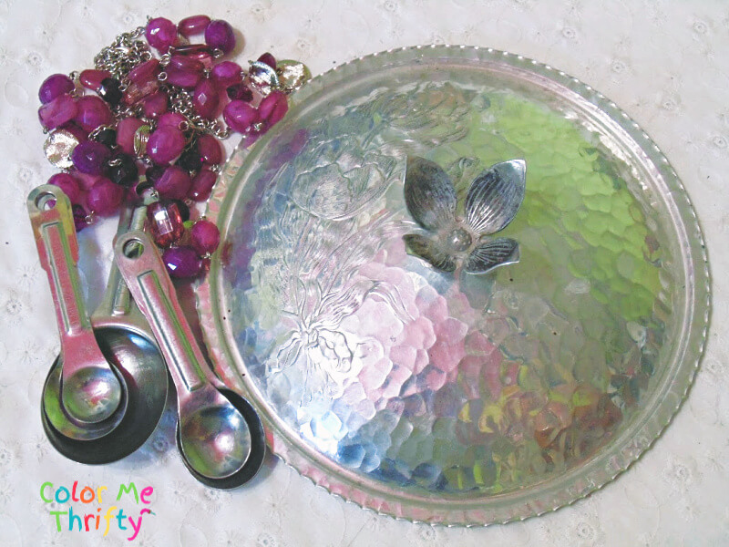 Aluminum chafing dish lid and measuring spoons