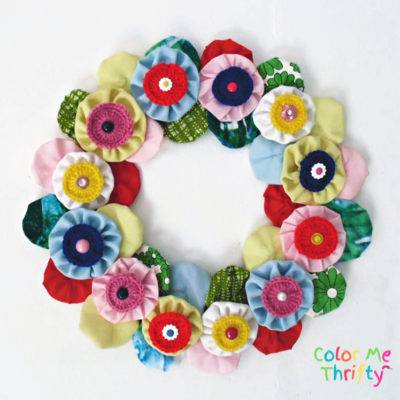 DIY Yoyo Wreath with Yoyo Flowers