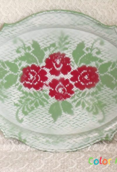 silver tray makeover with spray paint and roses doily