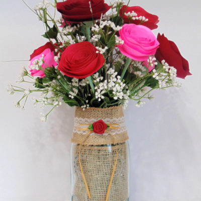 Easy DIY paper roses bouquet in vintage mason jar with burlap ribbon trim