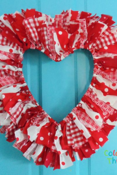 Create an easy DIY reversible rag heart wreath for your Valentine's Day home decor