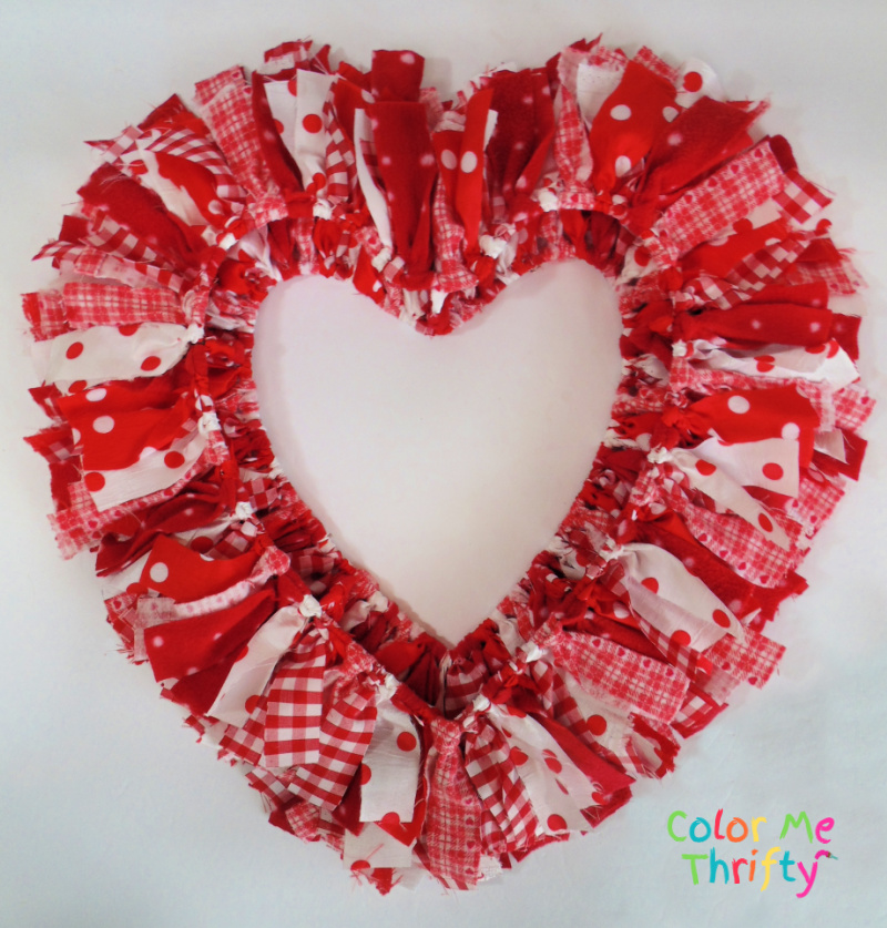 side two view of reversible easy DIY rag heart wreath