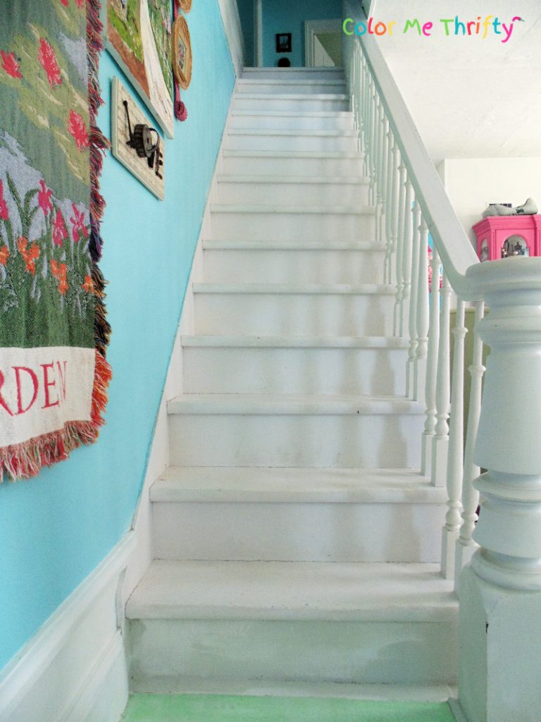 stairs before makeover