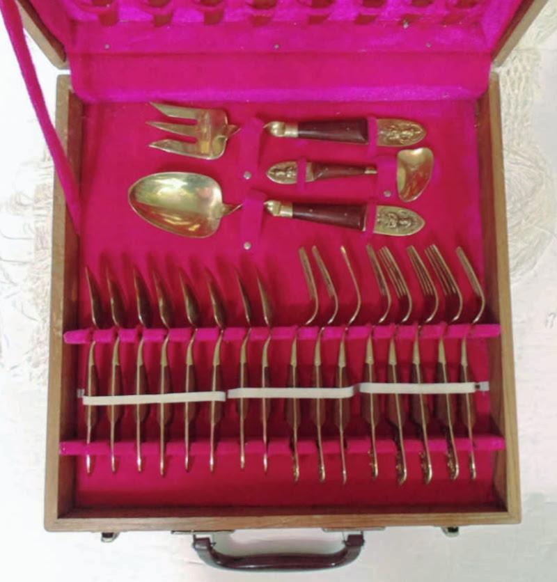 Vintage 29 piece Siam Cutlery Set with box - Souvenir cutlery